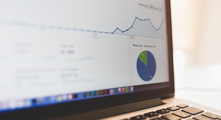 Mitbewerbervergleich via Google Analytics Benchmarking Report
